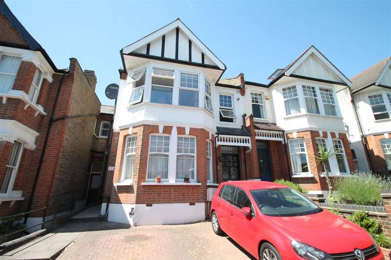 2 Bedrooms Flat for sale in Derwent Road, Palmers Green, London N13