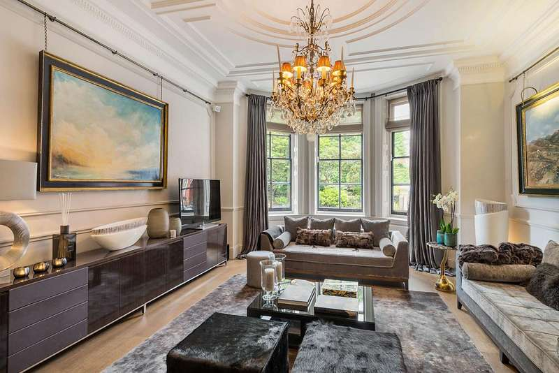3 Bedrooms Apartment Flat for sale in Cadogan Square, London SW1X
