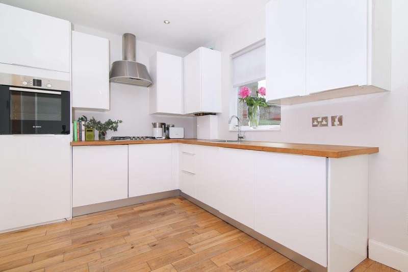 3 Bedrooms Terraced House for sale in 20 McDonald Place, Bellevue, EH7 4NH