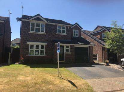 House for sale in Kingfisher Close, Nantwich, Cheshire