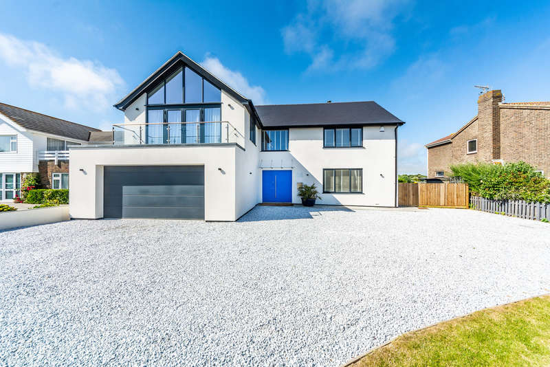 4 Bedrooms Detached House for sale in Coastal Road, East Preston