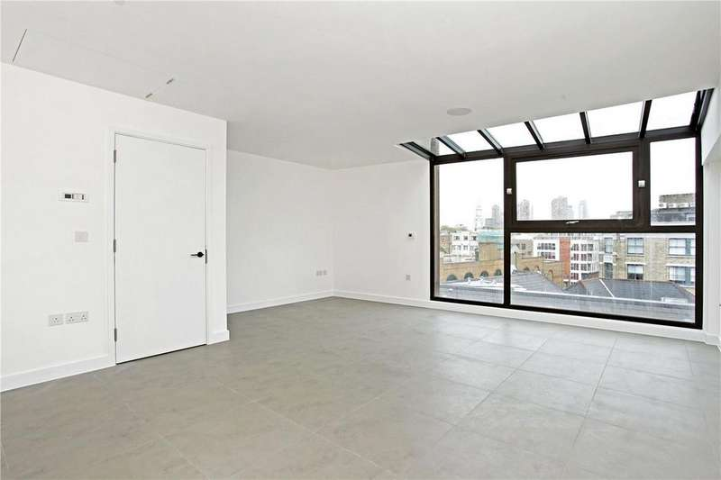 2 Bedrooms Penthouse Flat for sale in Topham Street, London, EC1R