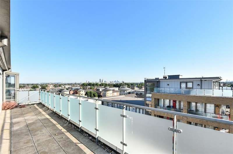 2 Bedrooms Flat for sale in Hosta House, 178 Beaumont Road, London