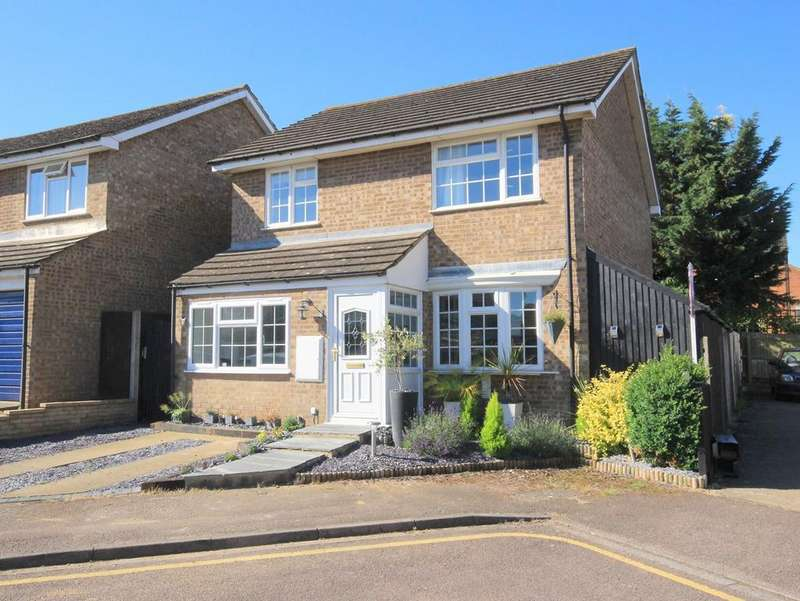 4 Bedrooms Detached House for sale in Kendal Drive, Flitwick, MK45