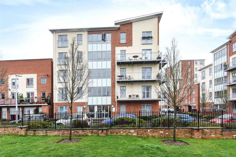 2 Bedrooms Apartment Flat for sale in Evesham House, Battle Square, Reading, Berkshire, RG30