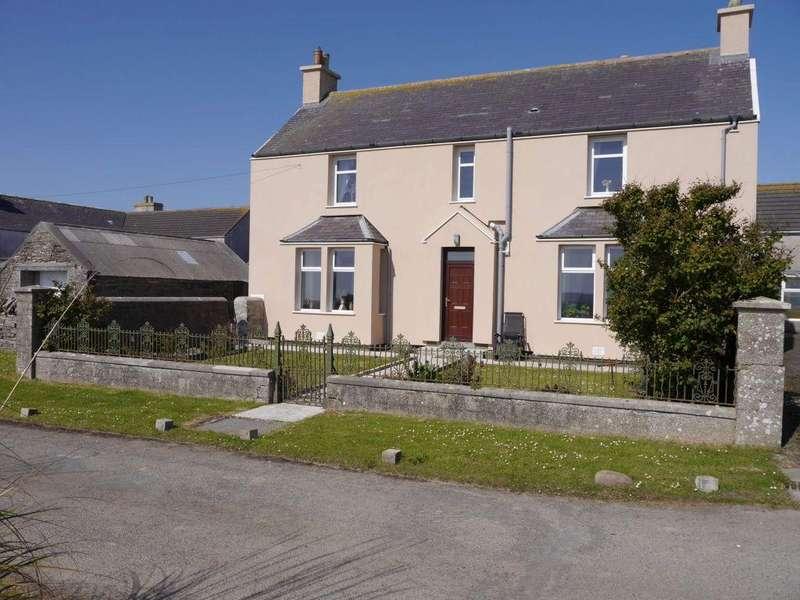 3 Bedrooms Detached House for sale in Hillside, St Ola