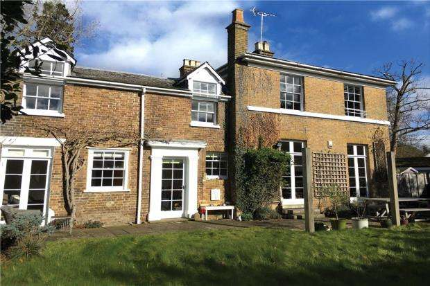 2 Bedrooms Apartment Flat for sale in Church House, Church Road, Windsor