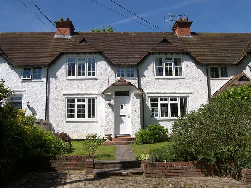 3 Bedrooms Terraced House for sale in Woodpecker Cottage, Lutmans Haven, Knowl Hill, Berkshire, RG10