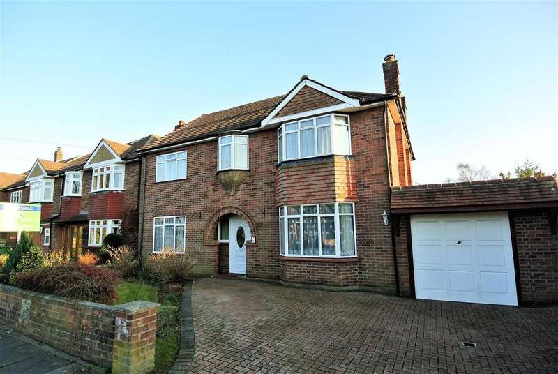 4 Bedrooms Detached House for sale in The Avenue, Staines-Upon-Thames