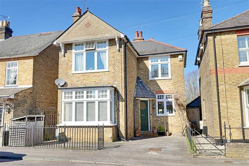 4 Bedrooms Detached House for sale in Bury Road, Old Harlow, Essex