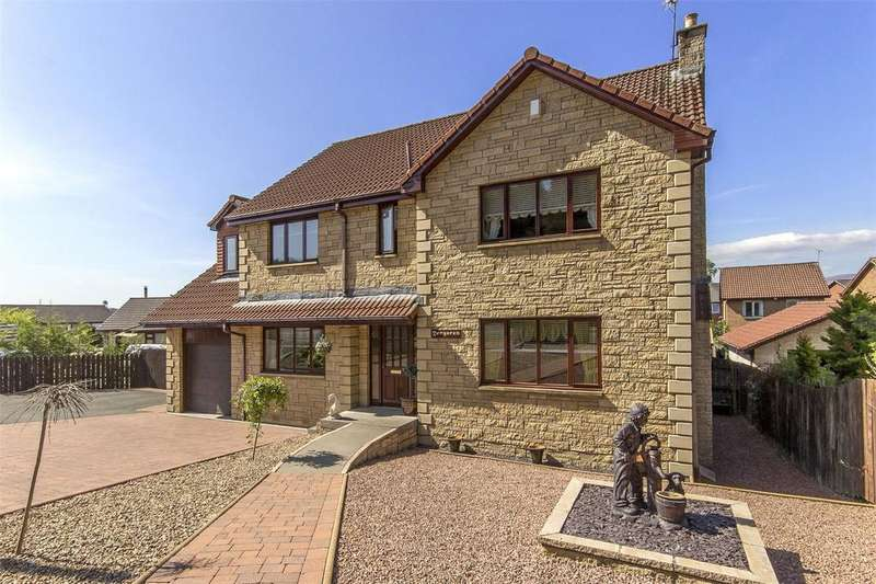 5 Bedrooms Detached House for sale in Dergaren, Bannockburn Road, Cowie, Stirling, FK7