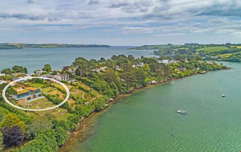 4 Bedrooms Detached House for sale in Restronguet Point, Feock, Truro, South Cornwall