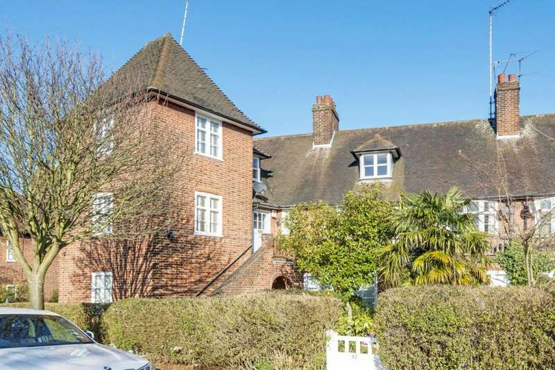 2 Bedrooms Apartment Flat for sale in Addison Way, Hampstead Garden Suburb