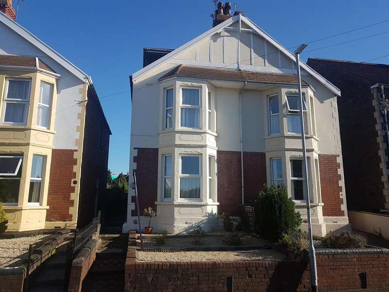 4 Bedrooms Semi Detached House for sale in Alexandra Gardens, Staple Hill, Bristol, BS16 4QJ