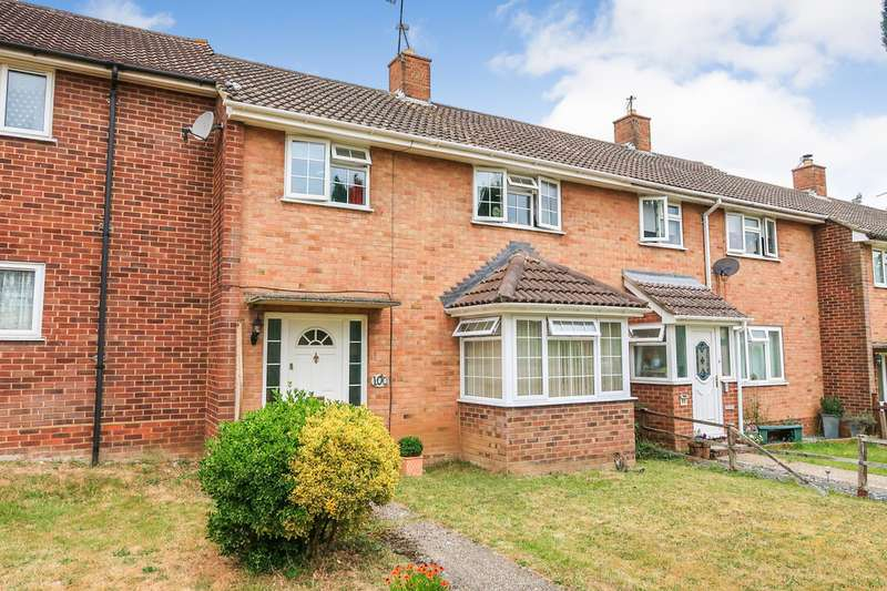 3 Bedrooms Terraced House for sale in South Ham RG22