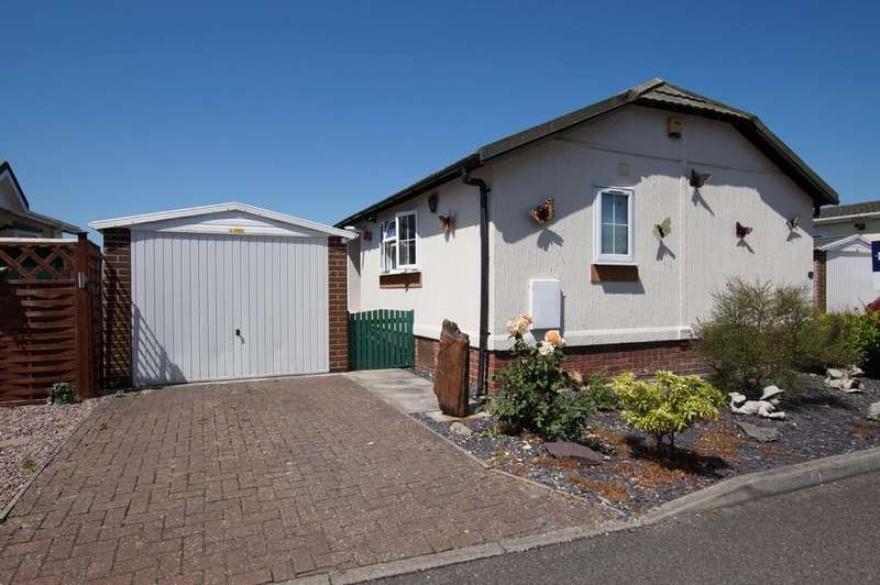 2 Bedrooms Park Home Mobile Home for sale in Marina View, Dogdyke