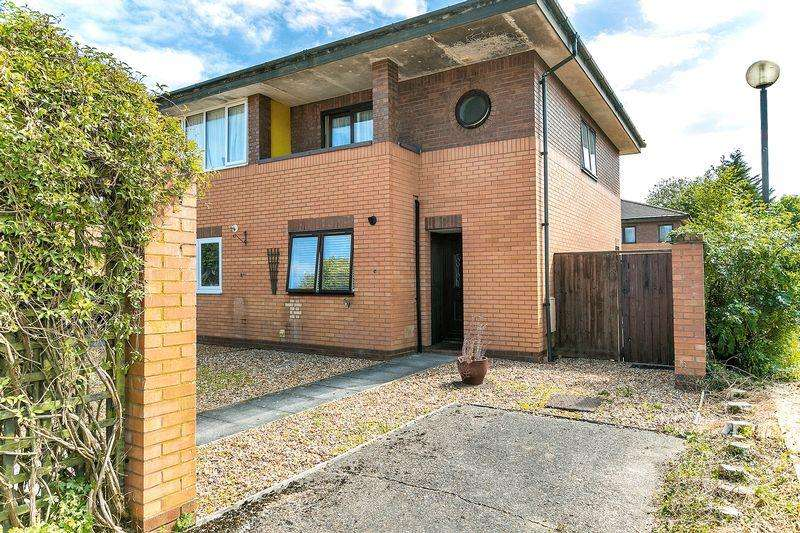 3 Bedrooms Semi Detached House for sale in Chardacre, Two Mile Ash