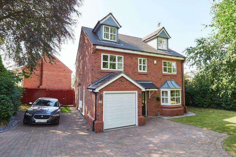 5 Bedrooms Detached House for sale in Spring Grove, Biddulph, Staffordshire, ST8 6FB