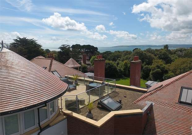 3 Bedrooms Flat for sale in West Overcliff Drive, West Cliff, Bournemouth