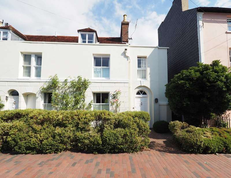 5 Bedrooms Town House for sale in Southover High Street, Lewes