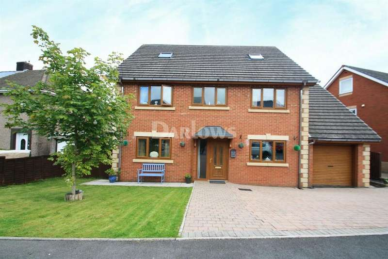 4 Bedrooms Detached House for sale in Brentwood Place, Ebbw Vale, Gwent
