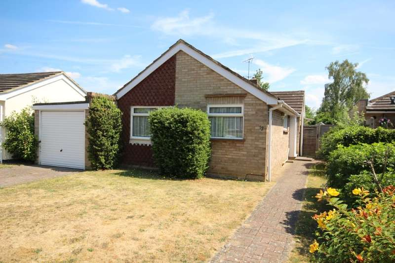 3 Bedrooms Detached Bungalow for sale in Hermitage Drive, Twyford, Reading, RG10