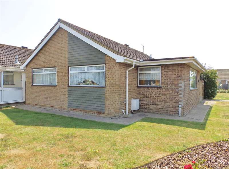 2 Bedrooms Bungalow for sale in The Lawns, 40 Wordsworth Drive, Eastbourne
