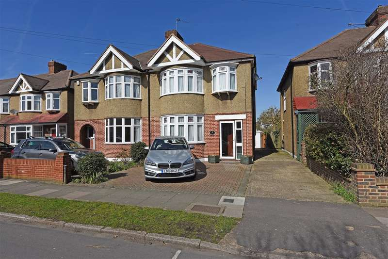 3 Bedrooms Semi Detached House for sale in Monkleigh Road, Morden