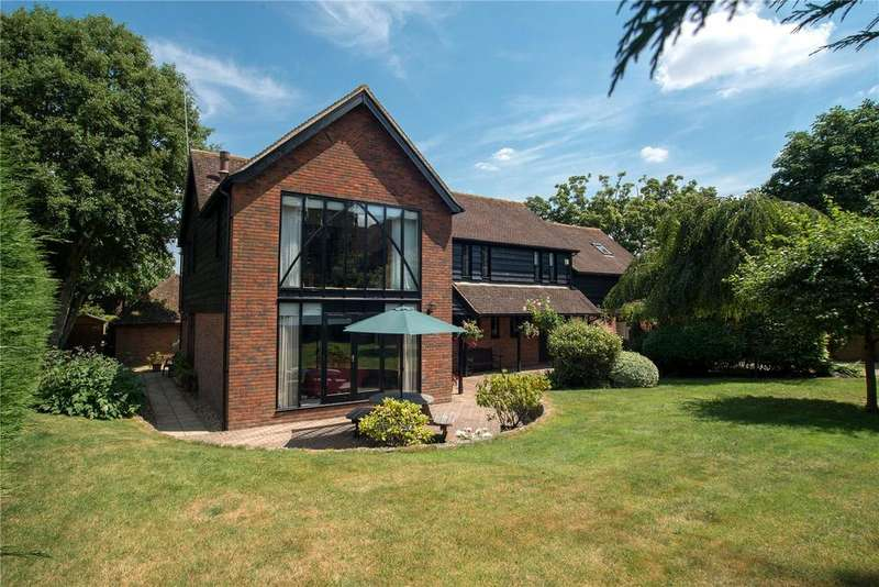 5 Bedrooms Detached House for sale in Tannery Court, Charlton Marshall, Blandford Forum, DT11