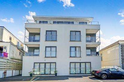 3 Bedrooms Flat for sale in Mount Wise, Newquay, Cornwall