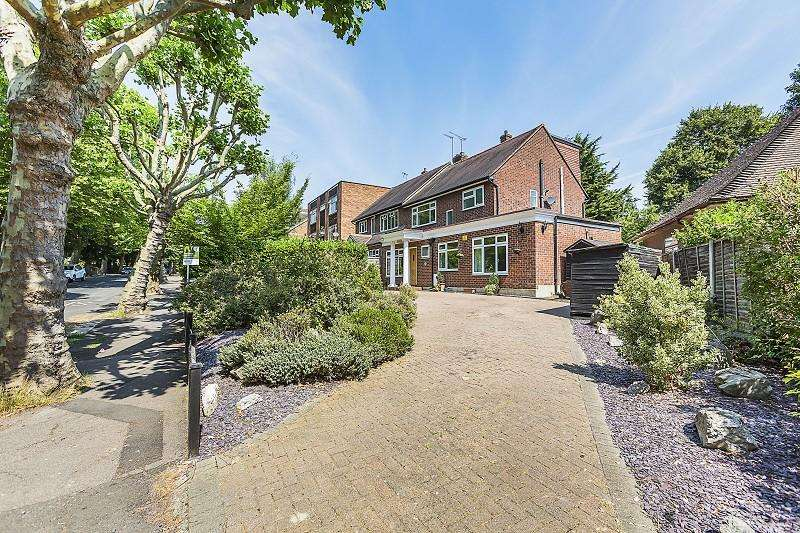 4 Bedrooms Semi Detached House for sale in Falmouth Avenue, London, Greater London. E4