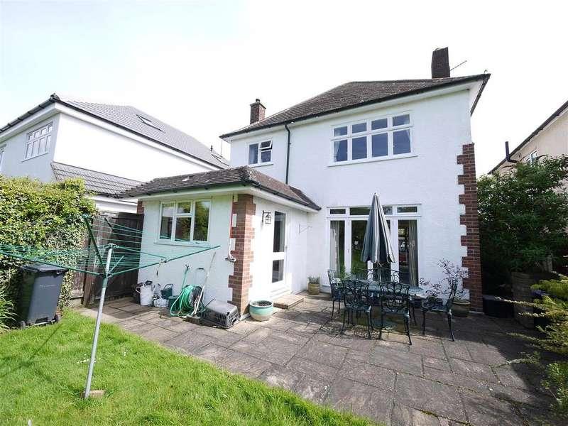 3 Bedrooms Detached House for sale in Newgatestreet Road, Goffs Oak