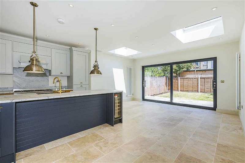 4 Bedrooms House for sale in Ruby Road, Walthastow, London