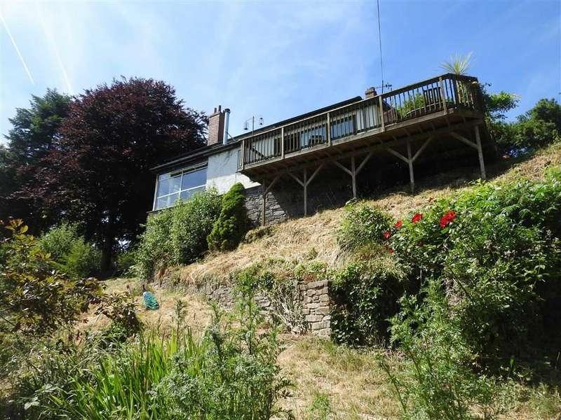 4 Bedrooms Property for sale in LLANDYFRIOG