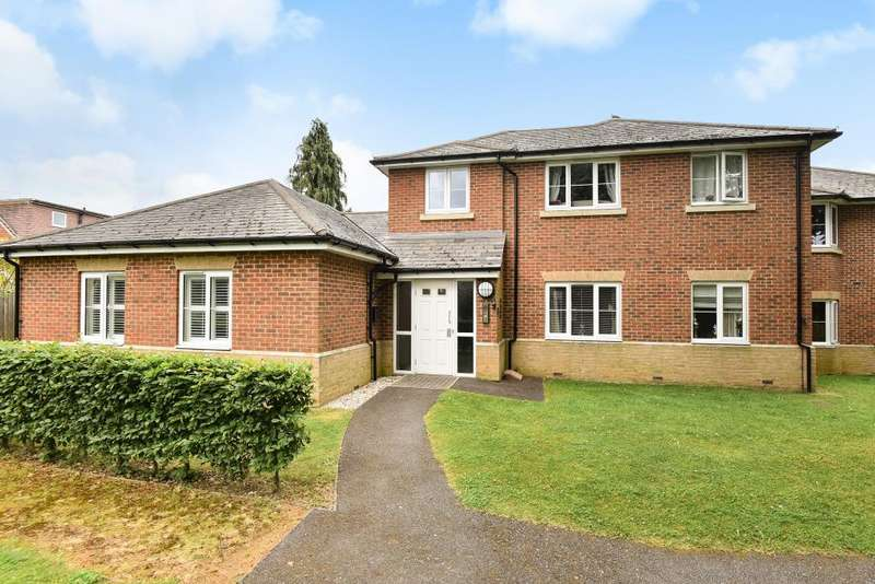 2 Bedrooms Flat for sale in Winch's Meadow, Maidenhead, SL1
