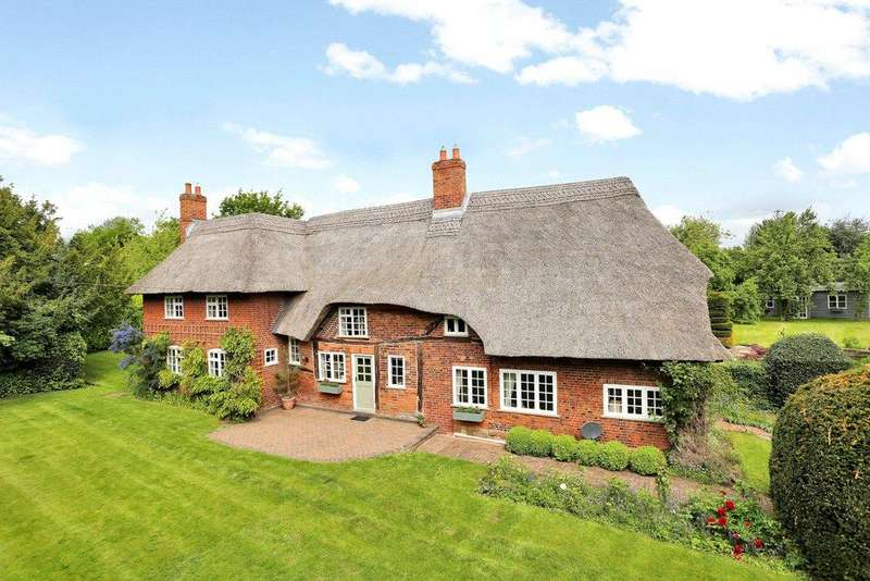 5 Bedrooms Detached House for sale in Longdon Green, Staffordshire