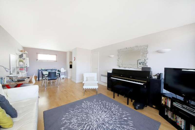 2 Bedrooms Apartment Flat for sale in Naylor Building East, 15 Adler Street, London, E1
