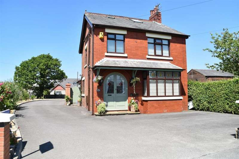 3 Bedrooms House for sale in Croston Road, Farington Moss, Leyland