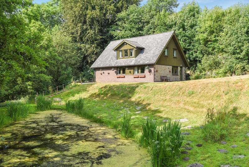 4 Bedrooms Detached House for sale in Hay on Wye 6 miles, Kington 8 miles, HR5