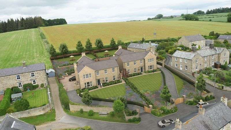 5 Bedrooms Property for sale in Newton, Stocksfield