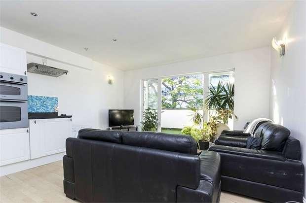 4 Bedrooms Maisonette Flat for sale in Southwark Park Road, London