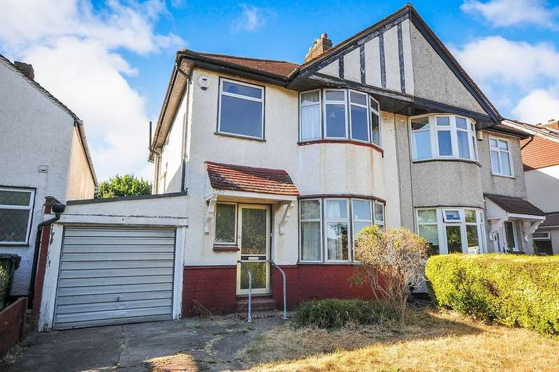 3 Bedrooms Semi Detached House for sale in Broad Walk, London, SE3