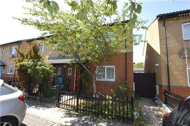3 Bedrooms Semi Detached House for sale in Sochi Mews, Edinburgh Place, Cheltenham, Glos, GL51 7RR