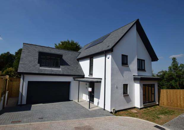 4 Bedrooms Detached House for sale in Mount Pleasant, Hill Lane, Plymouth, Devon