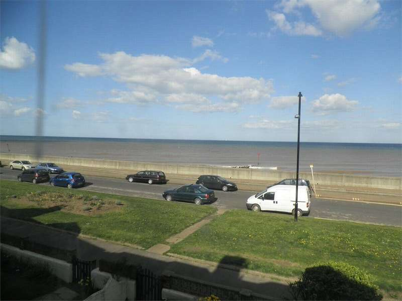 4 Bedrooms Terraced House for sale in The Promenade, WITHERNSEA, East Riding of Yorkshire