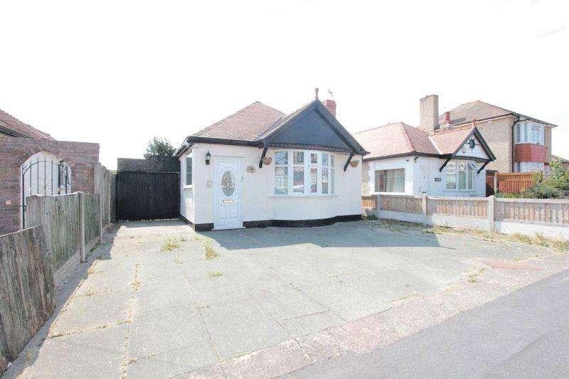 3 Bedrooms Detached Bungalow for sale in Marsh Road, Rhyl