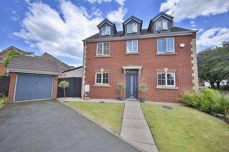 5 Bedrooms Detached House for sale in Tangmere Avenue, Hopwood, Heywood