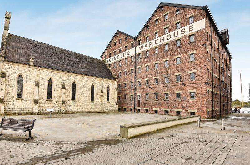 3 Bedrooms Apartment Flat for sale in The Docks, Gloucester