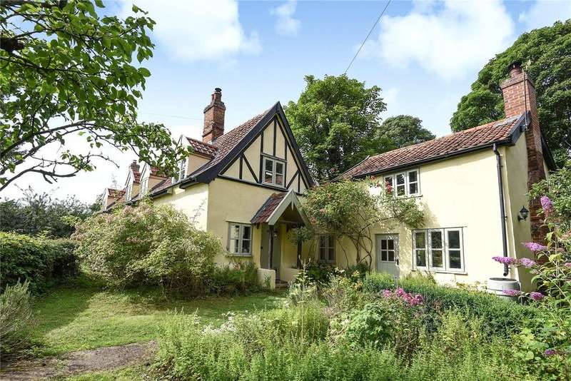 5 Bedrooms Detached House for sale in Hopton Road, Garboldisham, Suffolk, IP22