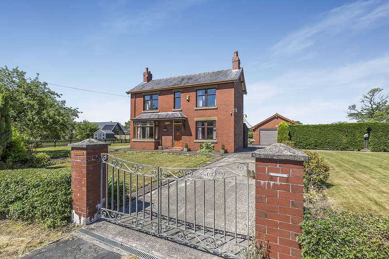 4 Bedrooms Detached House for sale in Wenderholm Preston Road, Charnock Richard, Chorley, PR7